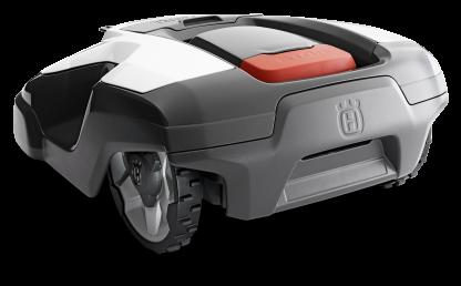 Melns Husqvarna zāles pļāvējs robots – Automower 315 modelis, skats no aizmugures kreisās puses