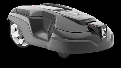 Melns Husqvarna zāles pļāvējs robots – Automower 315 modelis, skats no priekšas labā sāna