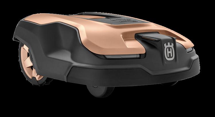 Rose Gold Husqvarna zāles pļāvējs robots, modelis ''Automower 315X'', skats no priekšas labās puses