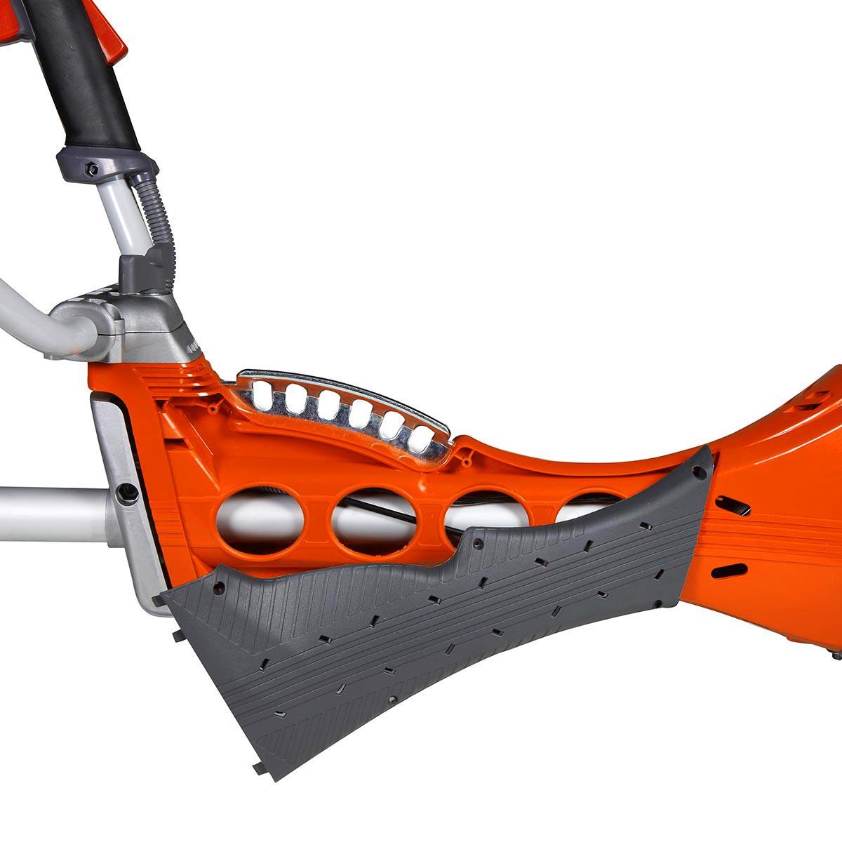 Oranžs Oleo-Mac trimmeris, 550 MASTER modelis, rokturis