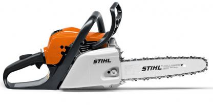 Oranžs, balts Stihl motorzāģis, modelis ''MS181'', skats no labā sāna