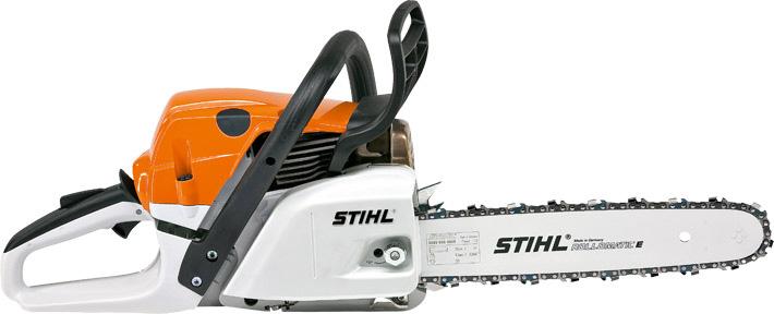 Oranžs, balts Stihl motorzāģis, modelis ''MS241 C-M'', skats no labā sāna