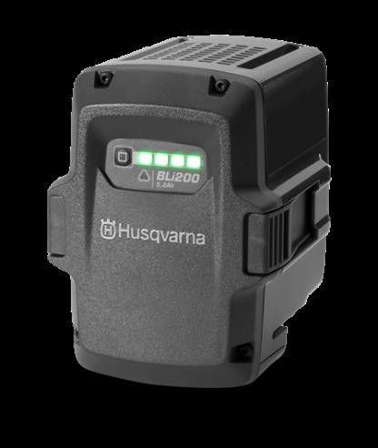 Melns Husqvarna akumulators, modelis ''BLi200'', skats no priekšas