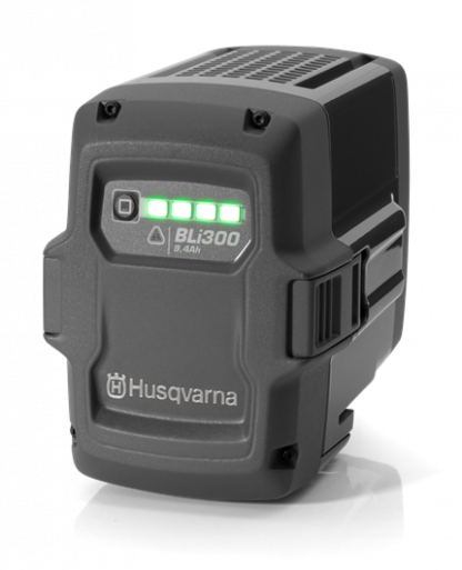 Melns Husqvarna akumulators, modelis ''BLi300'', skats no priekšas