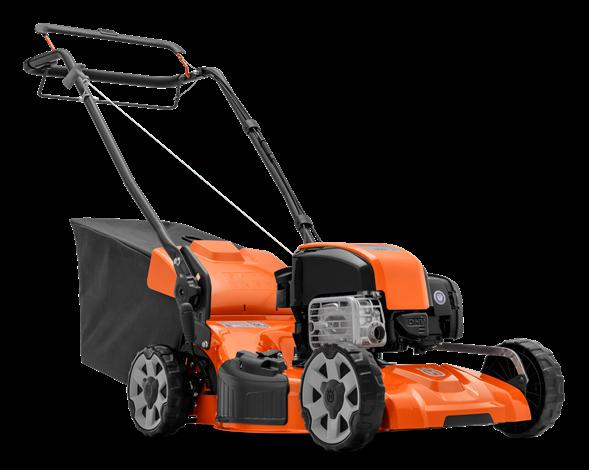 Oranžs Husqvarna zāles pļāvējs, modelis ''LC153S'', skats no priekšas labās puses