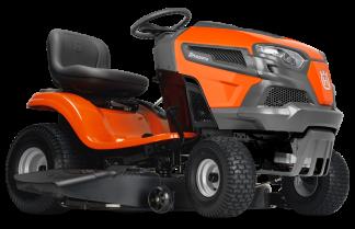 Oranžs Husqvarna mauriņa traktors, modelis ''TS 142T'', skats no priekšas labās puses